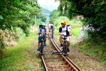 関東唯一のアトラクション! 自転車型トロッコ「アガッタン」