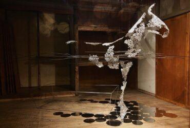 兼業アーティストの苦労、オリジナル手法の誕生秘話! 国内外で活躍する彫刻家に聞いた「自分らしく生きるヒント」とは?
